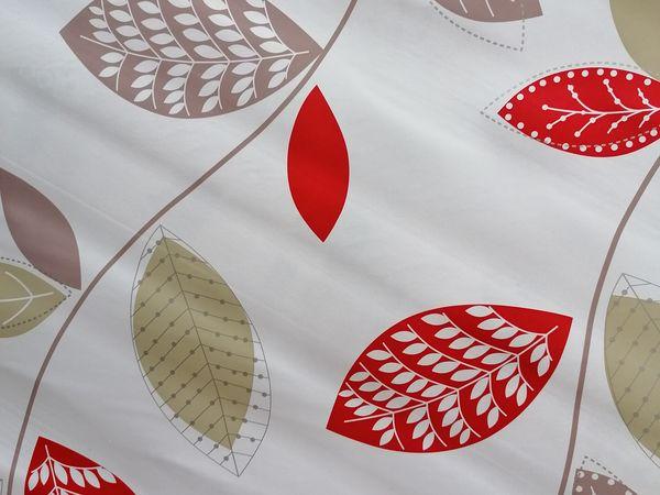 Piros leveles asztalterítő INDA111
